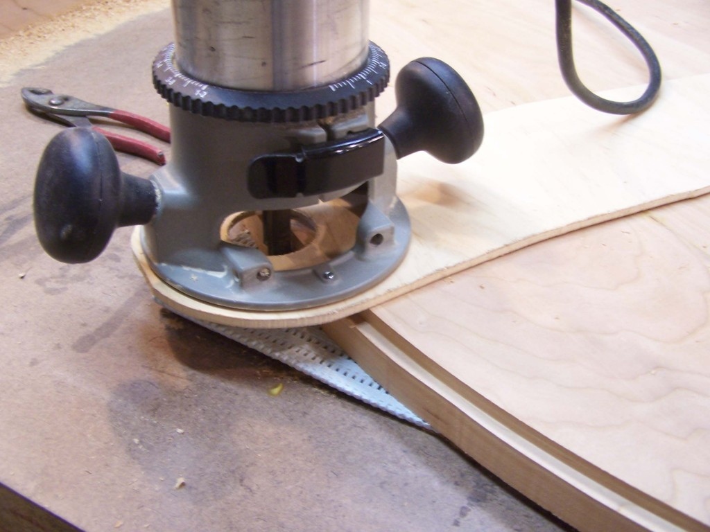 plunge cutting from the tables bottom 1024x768 Building a Pedestal, Dining Table in Cherry