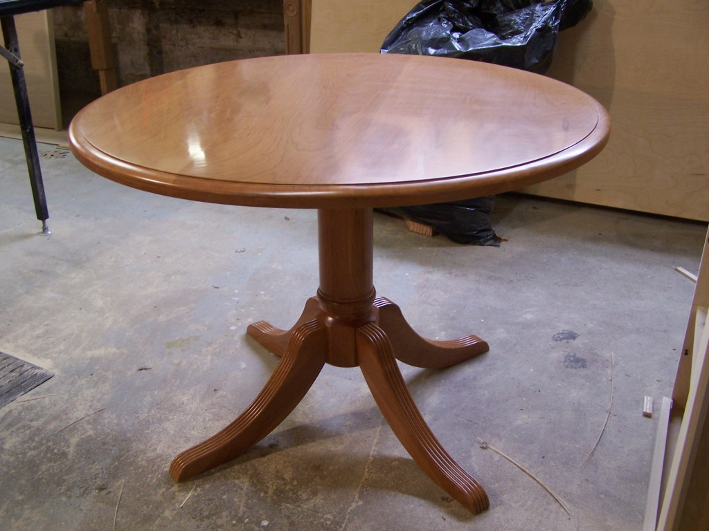 w top 1024x768 Building a Pedestal, Dining Table in Cherry