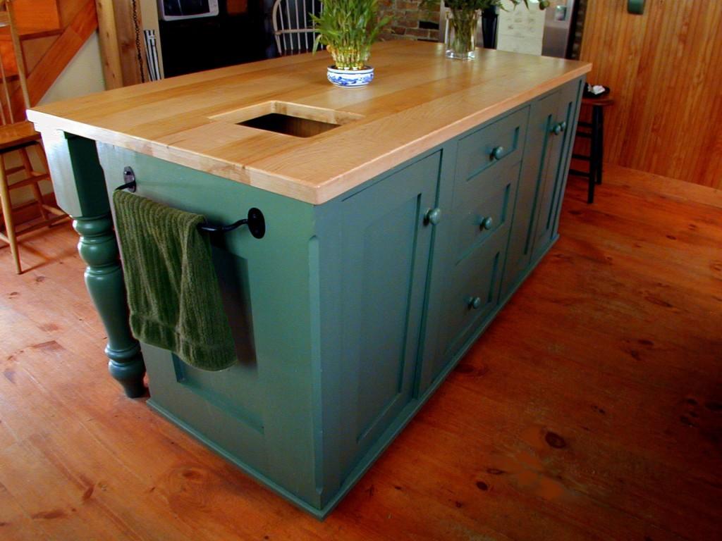 farm kitchen island pshop 1024x768 Historic Kitchen