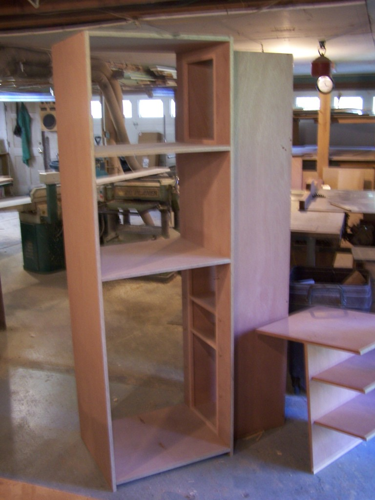 extension 768x1024 A Bar inside the Closet