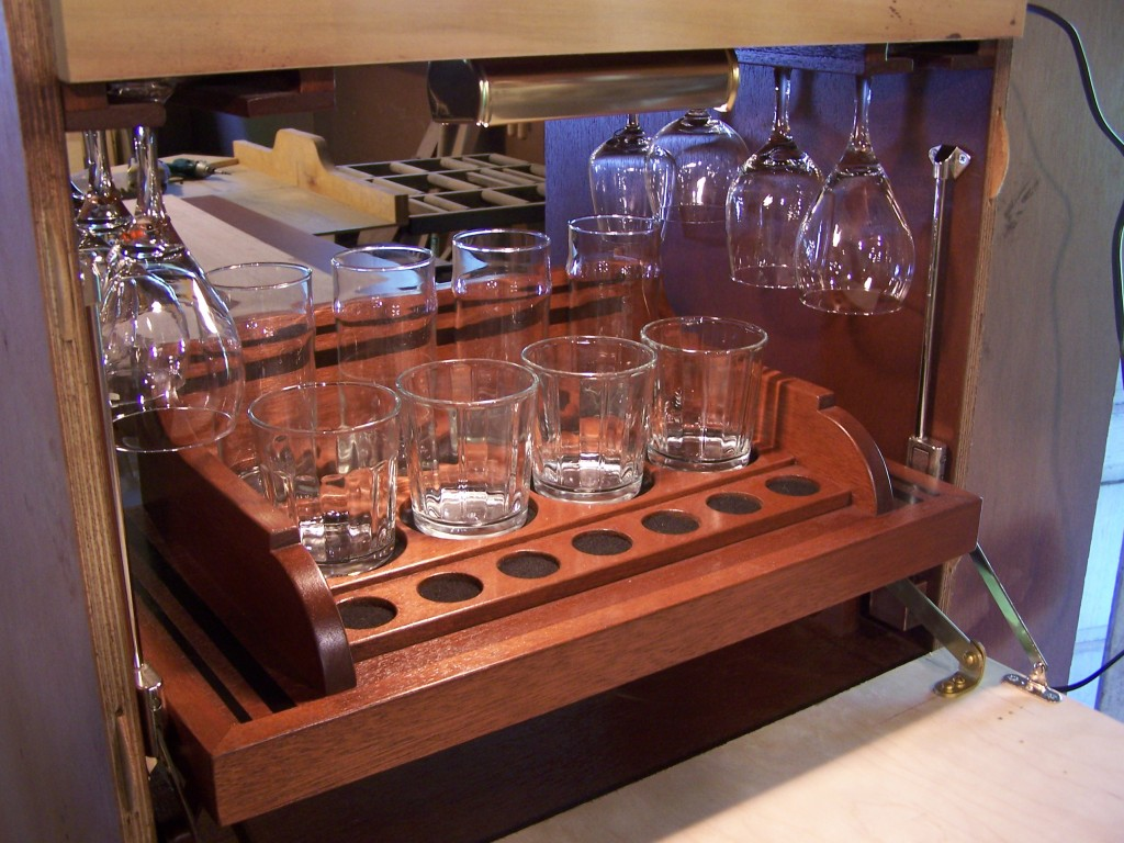finished tray 1024x768 A Bar inside the Closet