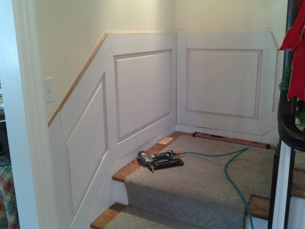 0207141505 1024x768 Building and Installing Wainscot
