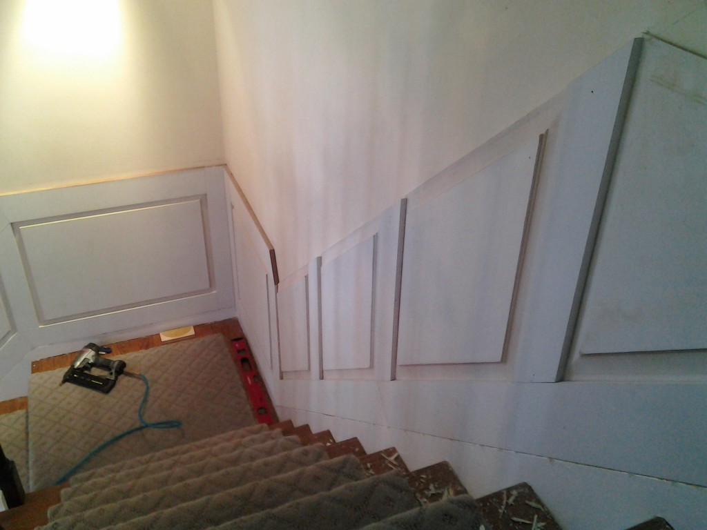 0207141505a 1024x768 Building and Installing Wainscot